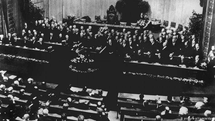 Weimar 100 – világnézet, vallás, egyház a történelemben